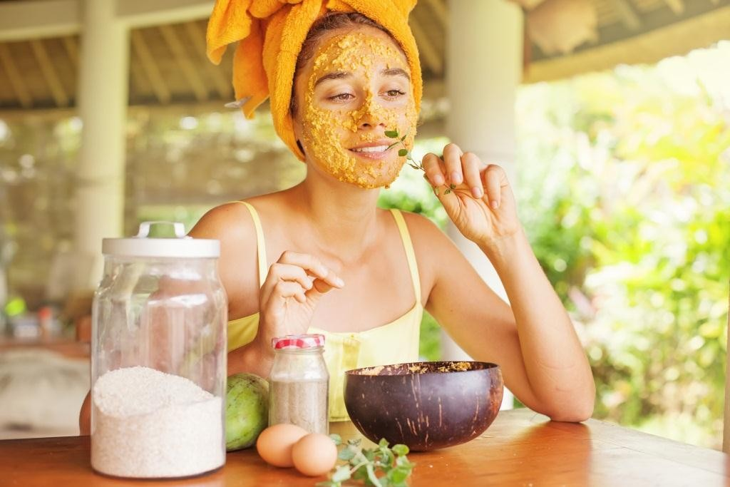 Home made face mask for acne